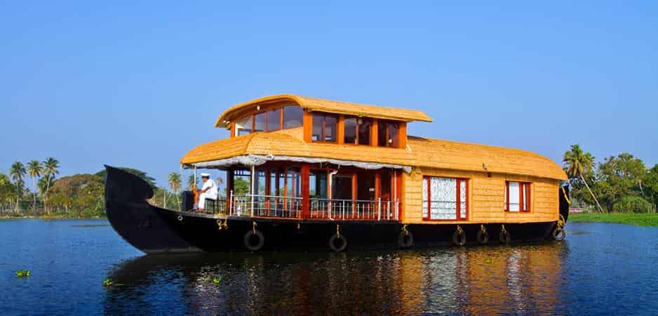 Honeymoon Houseboat Packages