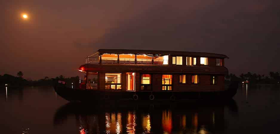Overnight Stay Houseboat Pacakges