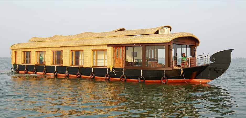 Five Bedroom Houseboats